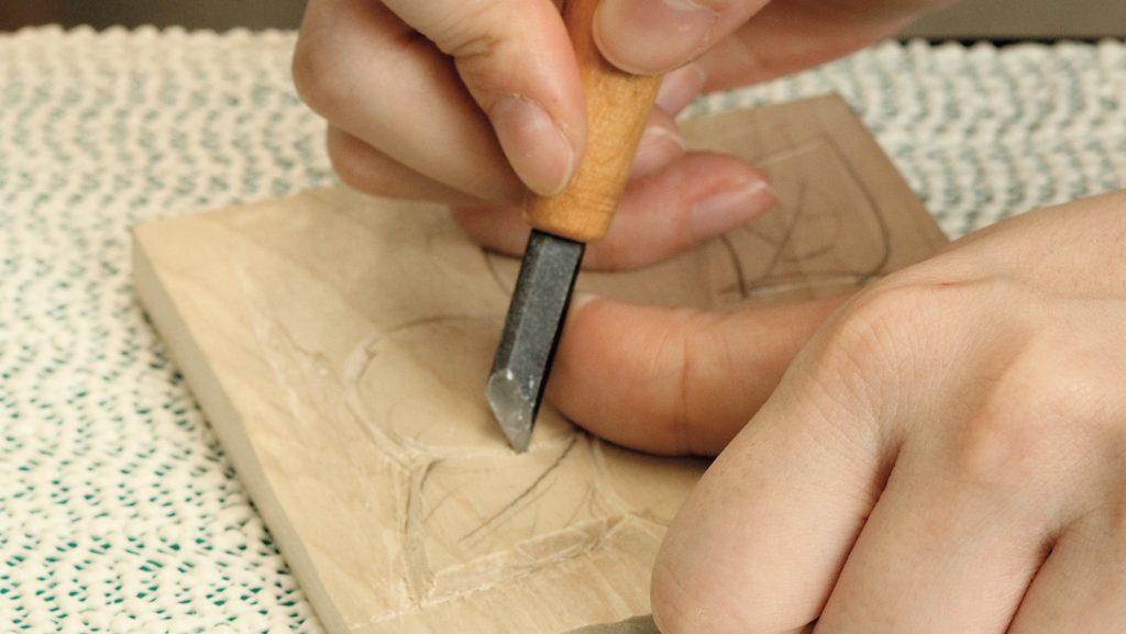 木の温かさを生かして木彫作品をつくろう!説明画像