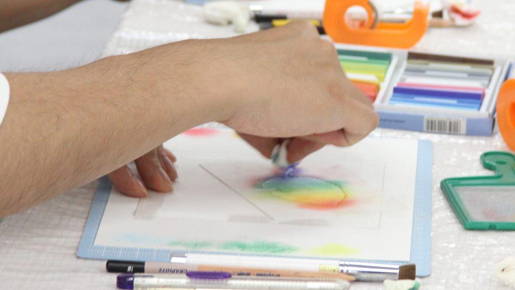カレーパステルを使って絵を描こう説明画像