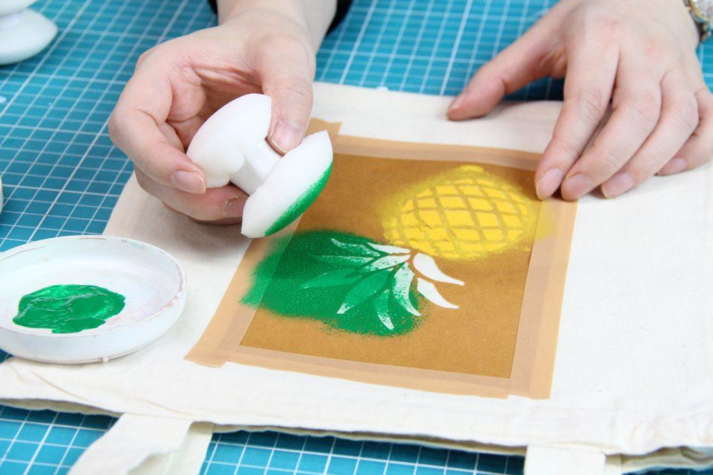 ゴム印やステンシルでてぬぐいを彩ろう説明画像