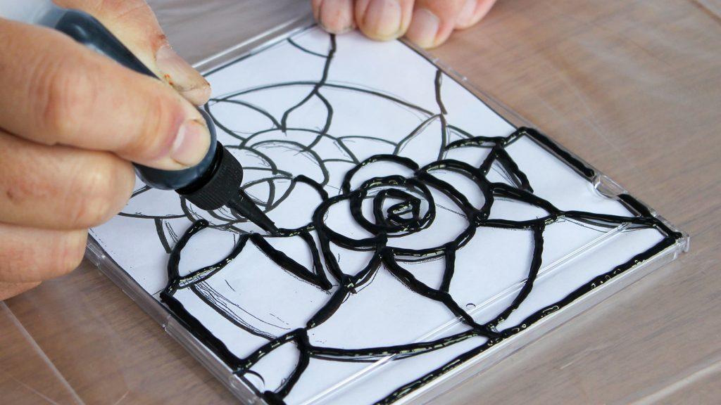 ステンドホビーでステンドグラス風の作品づくり説明画像